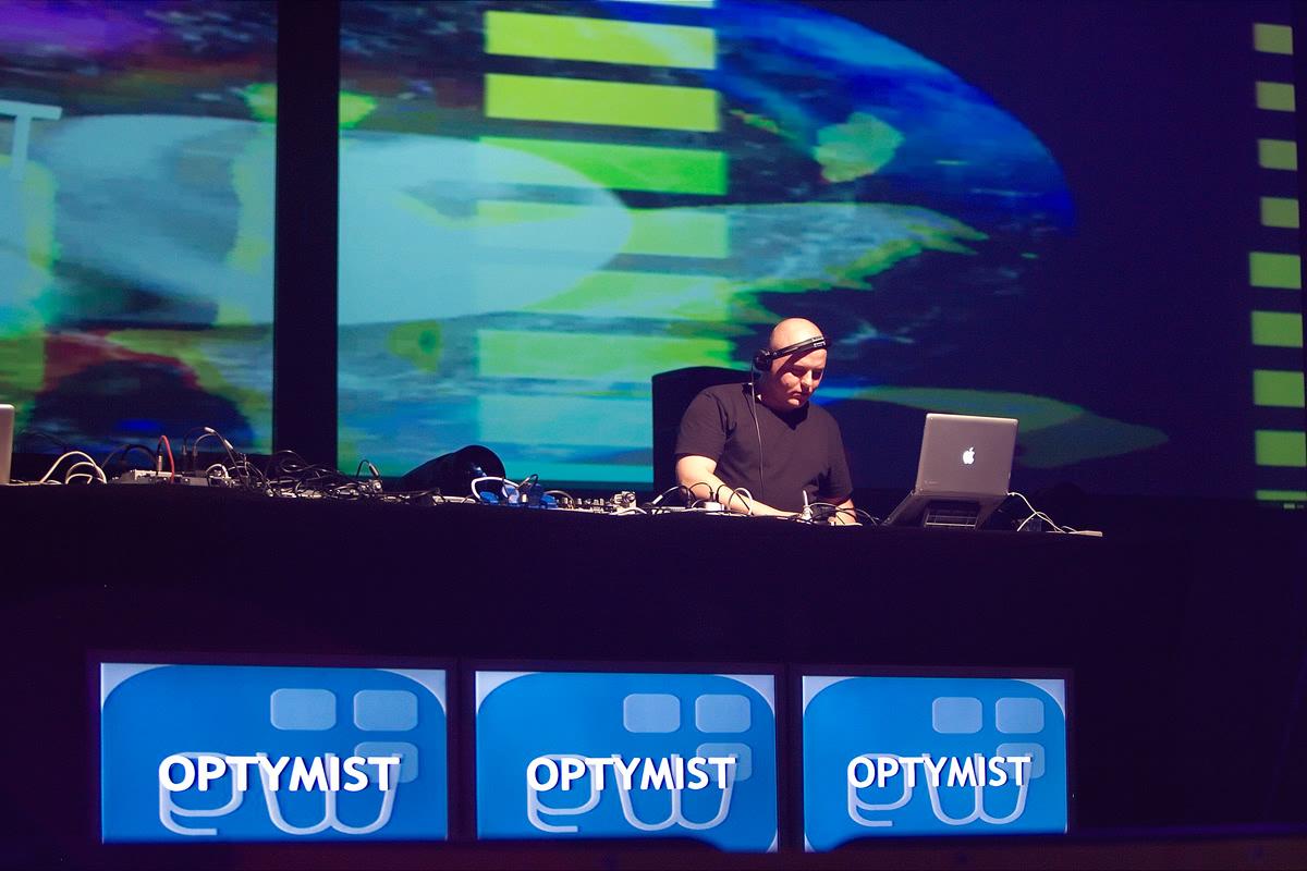 electronic wave 2012 - gorzow wielkopolski vj - wizualizacje splaszfx (5)
